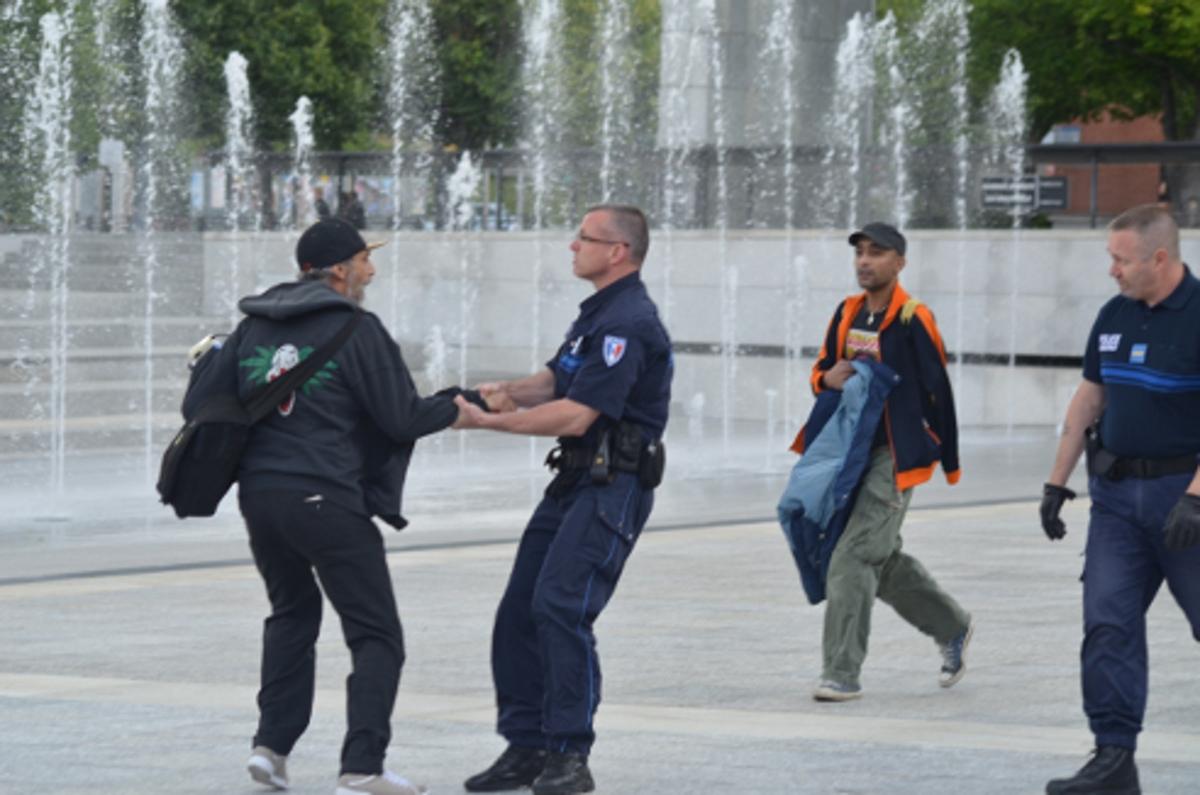 Farid Ghehiouèche - interpellation à Evry le 8 juin 2012