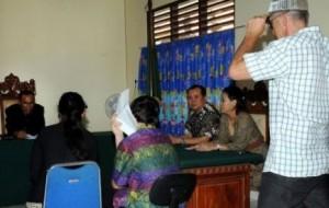 La justice indonésienne a condamné vendredi à deux mois de prison ferme un Australien de 14 ans interpellé le 4 octobre sur l'île indonésienne de Bali pour l'achat de moins de sept grammes de haschich.